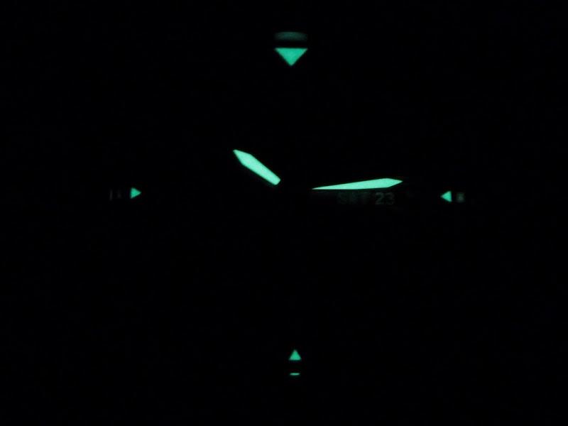 Có chắc năng dạ quang khi ở trong bóng tối