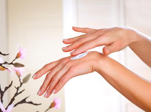 Cho đôi tay luôn mềm mại, mịn màng và trắng đẹp tự nhiên
