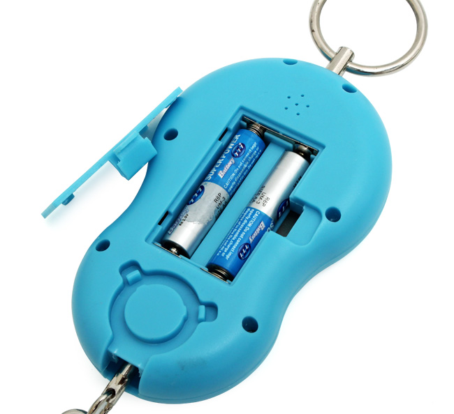 Sản phẩm gồm 1 cân điện tử cầm tay và 2 pin AAA sử dụng tiện lợi, cho độ chính xác cao.