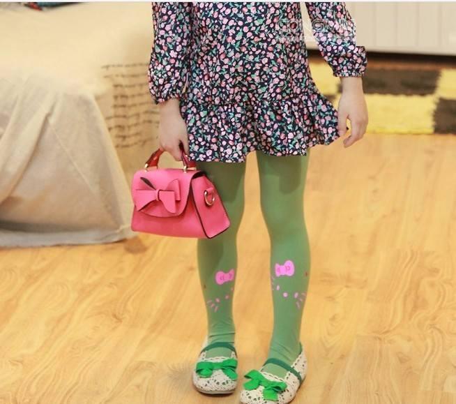 Quần tất cho bé gái Hello Kitty dễ dàng kết hợp các loại trang phục