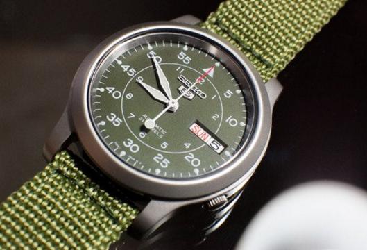 Đồng hồ Seiko 5 quân đội SNK805 màu xanh rêu