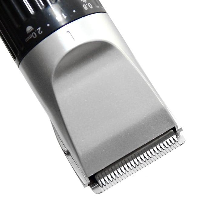 Lưỡi dao bằng chất liệu hợp kim bền và sắc bén