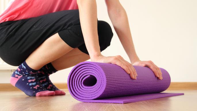 Thảm tập yoga hoa văn và trơn