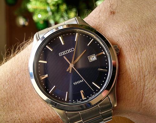 Đồng hồ Seiko SUR049p1 toát lên vẻ mạnh mẽ, đẳng cấp của phái mạnh