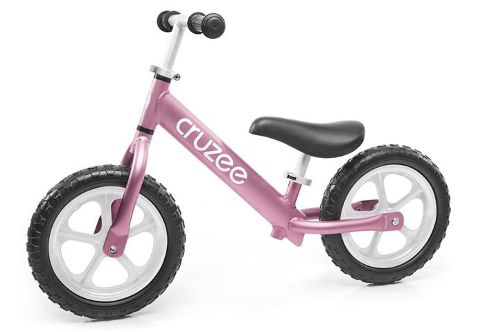 Xe thăng bằng trẻ em Cruzee với thiết kế thông minh, hiện đại giúp bé yêu có sự phát triển vượt trội về thể chất, vận động, tinh thần và tính cách