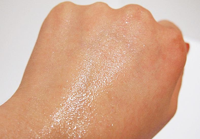 Xịt khoáng Innisfree chiết xuất tự nhiên rất tốt cho da, không những làm đẹp da, chăm sóc da cẩn thận mà còn có những tinh chất giúp nuôi dưỡng làn da