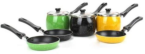 Bộ nồi Supor T0305 dành riêng cho các bé được dùng để nấu cháo hoặc nấu bột trong thời kỳ ăn dặm của bé