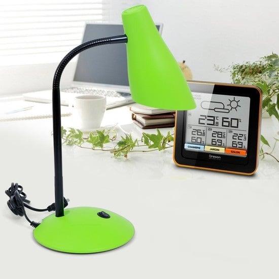 Chiếc đèn chống cận thị hoạt động trong nguồn sáng ổn định giúp mắt điều tiết tốt hơn