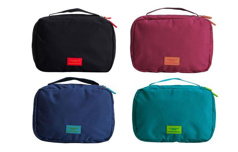 Túi đựng đồ trang điểm Msquare với nhiều màu đẹp và dáng vuông vắn, túi dùng được cho cả nam và nữ