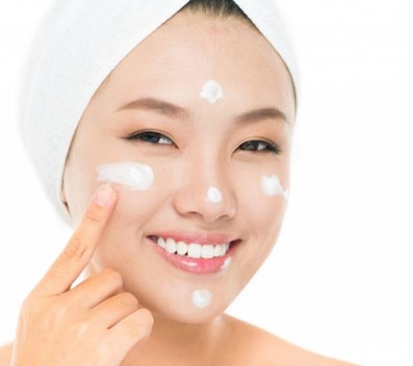 Kem hỗ trợ dưỡng trắng da Shiseido Aqualabel White Up Cream màu xanh 2