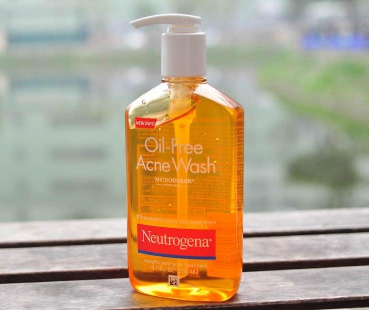 Sữa rửa mặt ngừa mụn Neutrogena Oil-Free Acne Wash