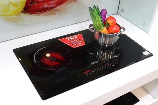 Bếp điện từ Chefs EH-MIX333 là mẫu bếp có thiết kế đẹp, sang trọng và bền
