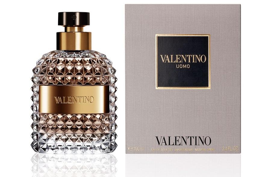 Nước hoa Valentino Uomo mang mùi hương nồng nàn của hương gỗ trầm ấm theo phong cách cổ điển