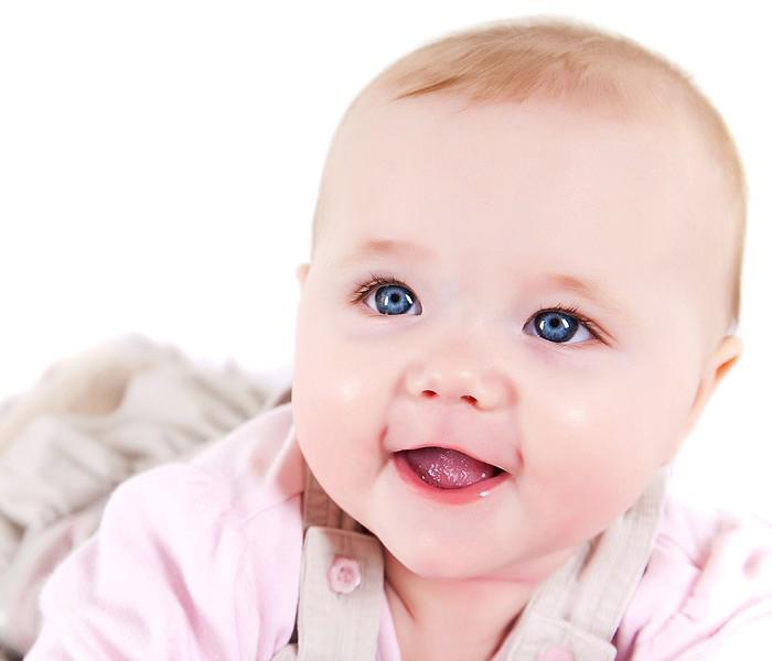 son dưỡng môi chống nẻ chuchu baby