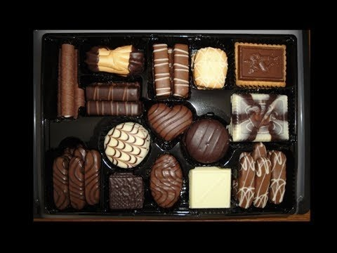 Với 15 kiểu bánh khác nhau được phủ socola Bỉ tinh tế