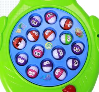 Trò chơi kích thích hoạt động tay chân và giúp phát triển trí tuệ, óc sáng tạo và khả năng phản xạ khéo léo cho bé.