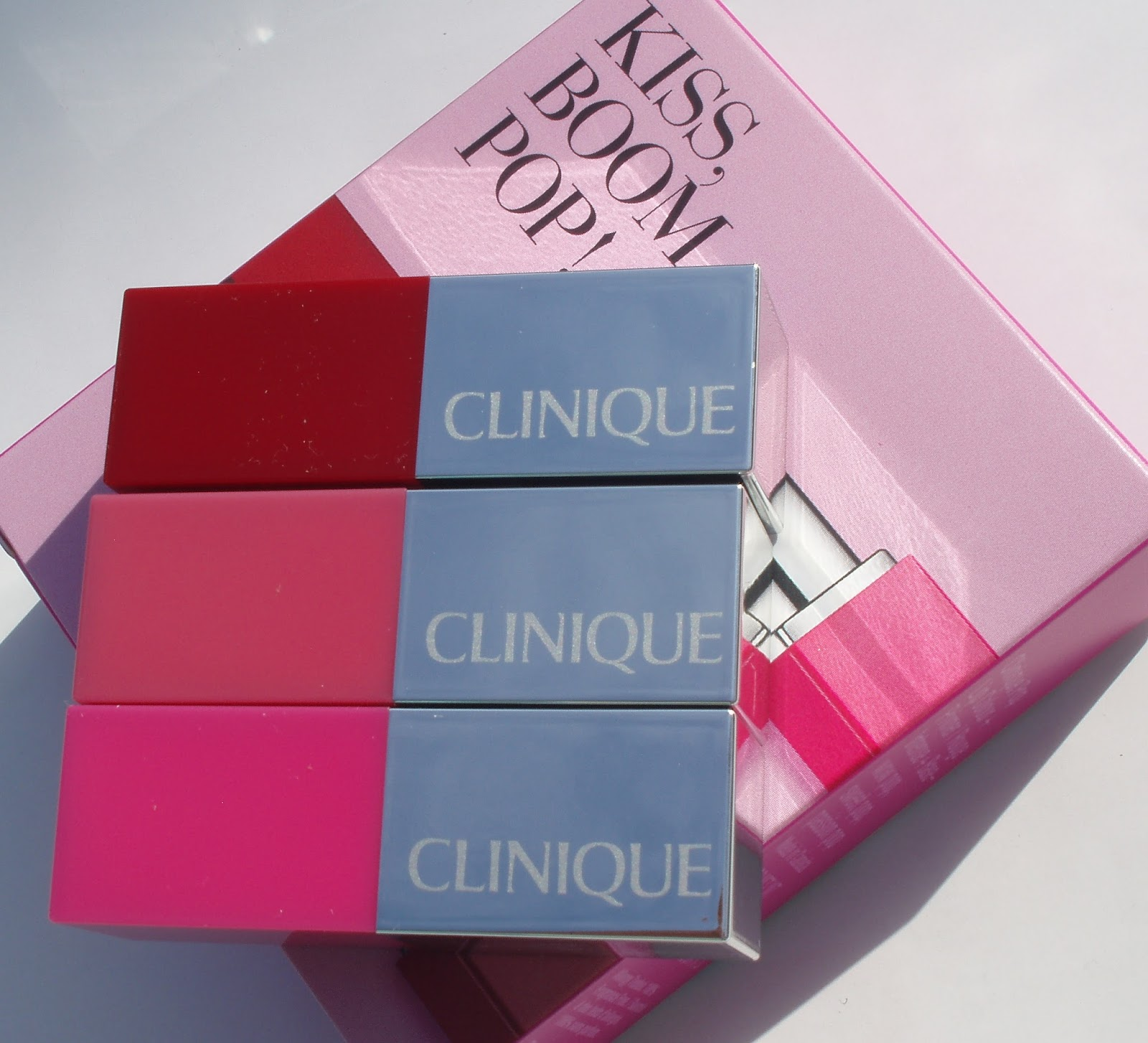 Set 3 son Clinique Kiss Boom Pop mini 2.3g 5