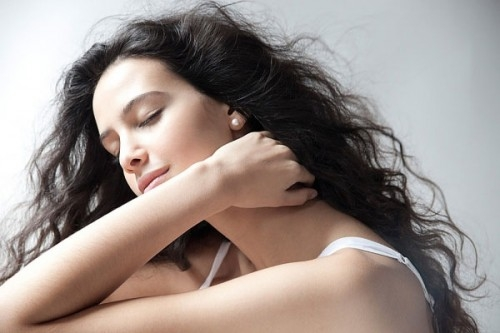 Nước hoa xịt toàn thân Bath & Body Works Mỹ Be joyful mùi hương ngọt ngào, mát dịu, nhẹ nhàng cho bạn gái luôn quyến rũ