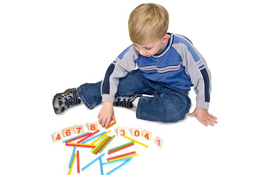 Qua bộ que tính Bố Mẹ dễ dàng dạy cho bé các phép tính đơn giản, bé có thể tiếp thu nhanh nhất