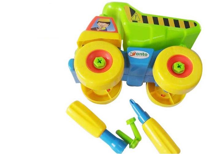 Đồ chơi xe tải với 24 chi tiết được làm bằng chất liệu nhựa nguyên sinh cao cấp an toàn cho sức khỏe của trẻ