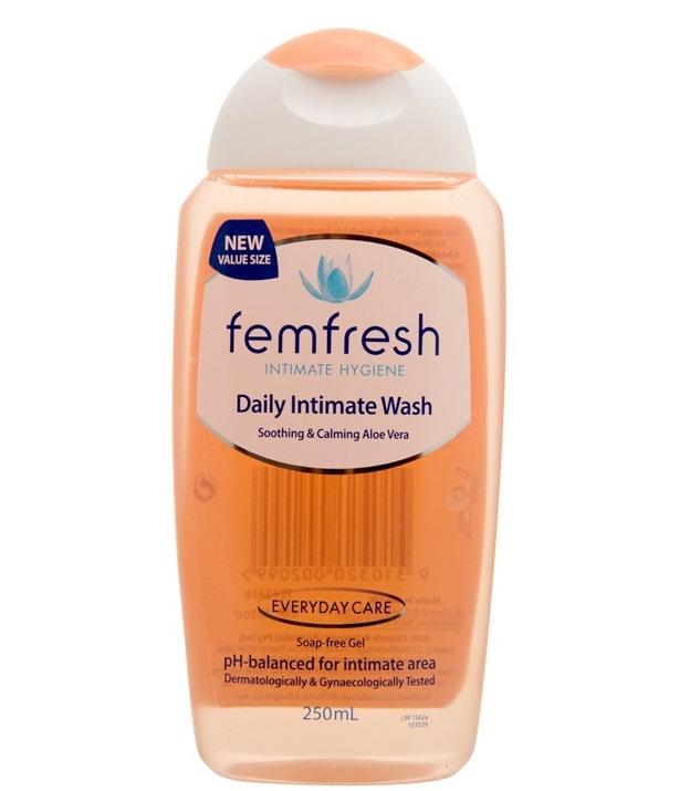 Dung dịch vệ sinh phụ nữ hàng ngày Femfresh Daily Intimate Wash 250ml
