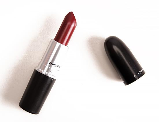 Son Mac màu đỏ mận Mac Diva Matte Lipstick vô cùng độc đáo phù hợp với phong cách trang điểm táo bạo