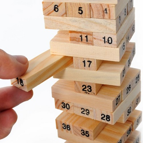 Đồ chơi rút gỗ là trò chơi thú vị dành cho cả trẻ em và người lớn