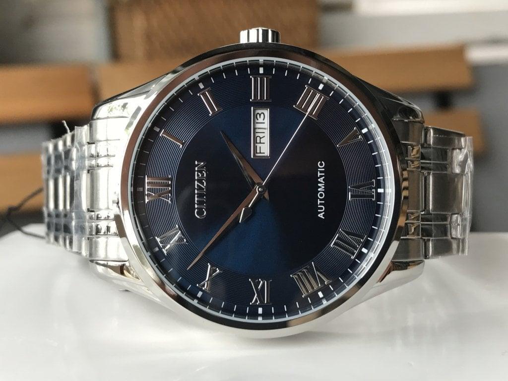 Cận cảnh chiếc đồng hồ Citizen nam NH8360-80L