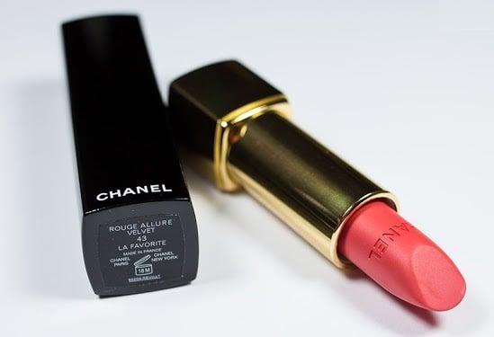Son Chanel Rouge Allure Velvet 43 La Favourite màu cam pha chút hồng trẻ trung