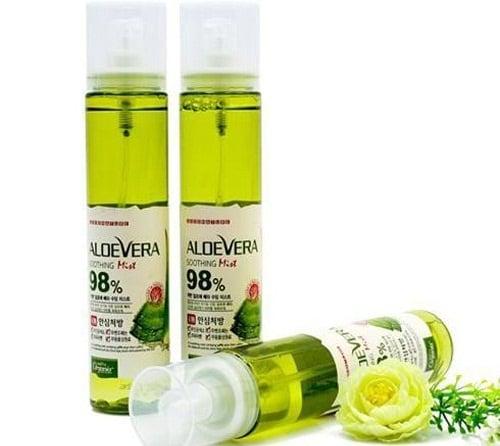 Xịt khoáng lô hội Aloe Vera Soothing Mist 98 Dabo Hàn Quốc có tác dụng như một loại kem dưỡng da và chống nắng