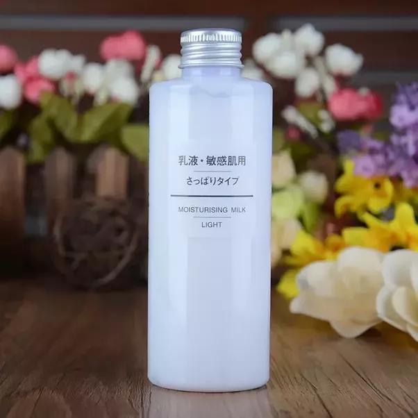 Muji Moisturizing Milk Light: Cho da hỗn hợp dầu, da dầu (độ dưỡng ẩm nhẹ nhất)