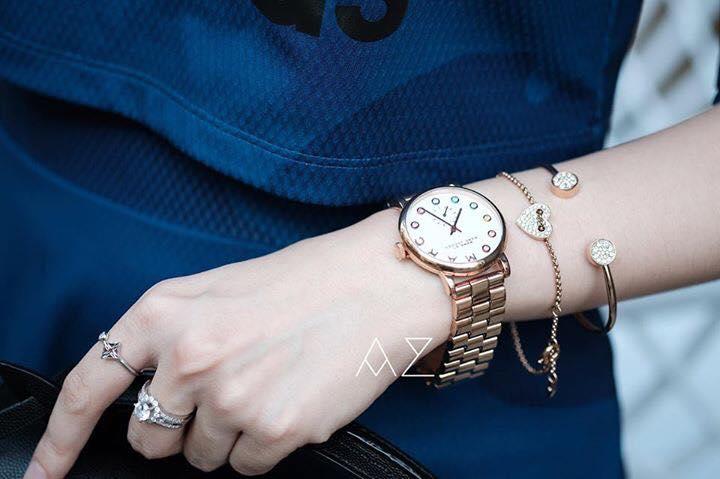 Đồng hồ Marc Jacobs nữ MBM3441 trên tay đầy sức hút