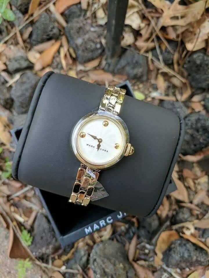 Cận cảnh chiếc đồng hồ Marc Jacobs nữ MJ3457