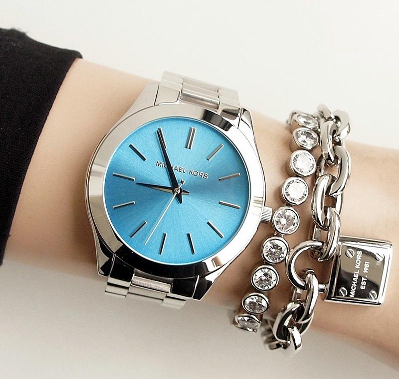 Chiếc đồng hồ Michael Kors nữ MK3292 trên tay đầy cá tính, ấn tượng