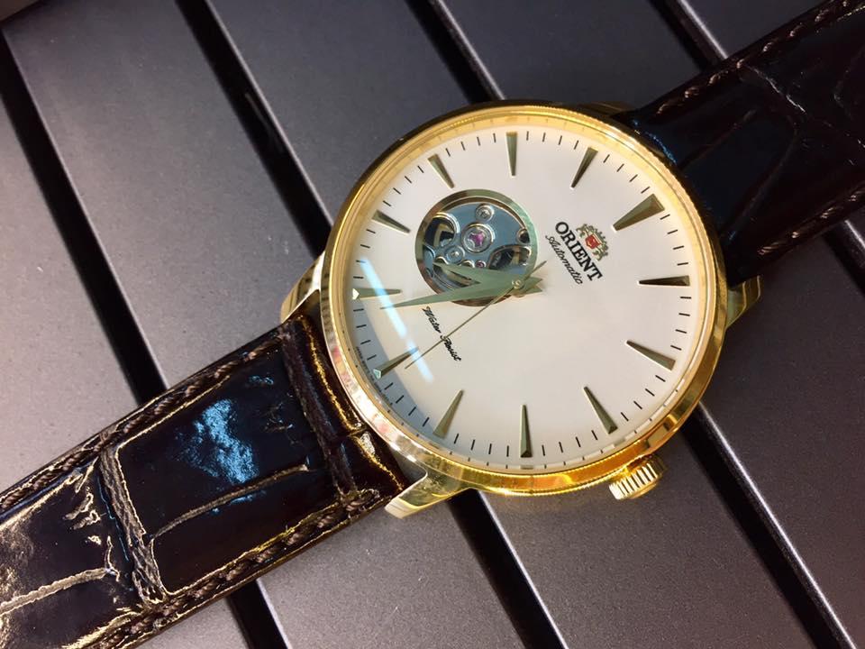 Cận cảnh chiếc đồng hồ FDB08003W0
