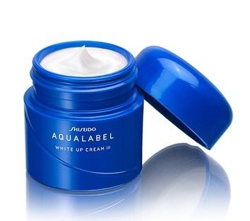 Kem hỗ trợ dưỡng trắng da Shiseido Aqualabel White Up Cream màu xanh