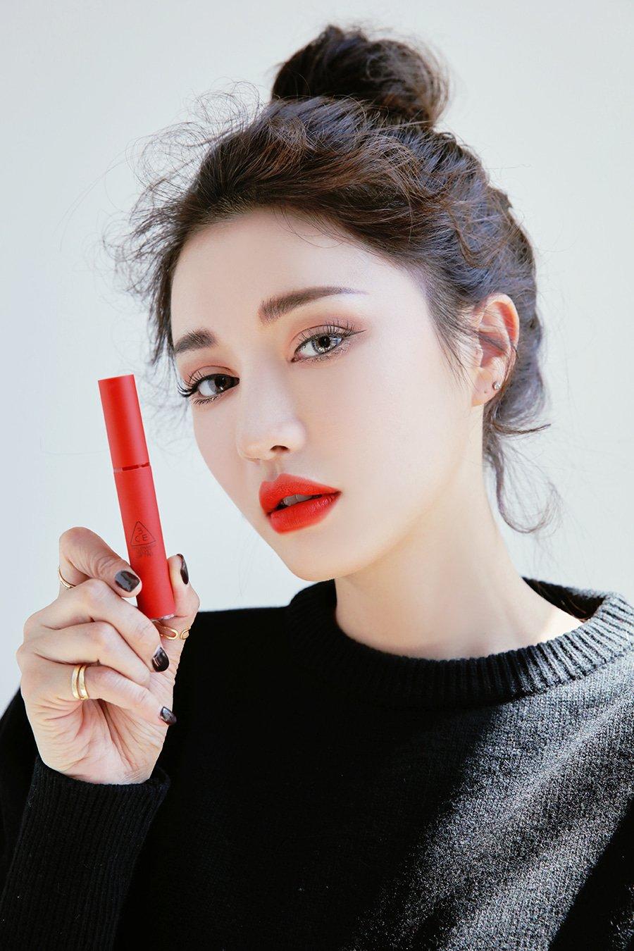 Son kem lì 3CE Velvet Lip Tint sắc đỏ cam tươi tắn