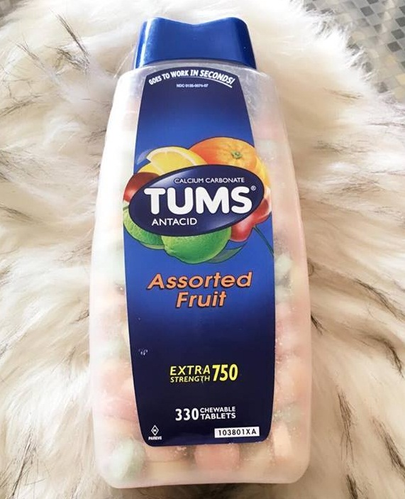 Viên nhai hỗ trợ điều trị đau da dày Tums Extra Strength 750