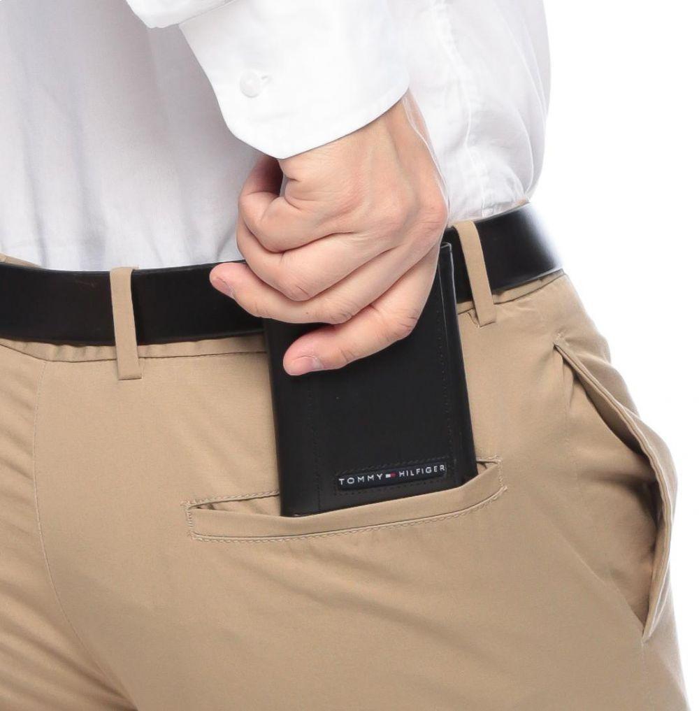 Kiểu dáng nhỏ gọn, dễ dàng bỏ trong túi quần hay túi áo
