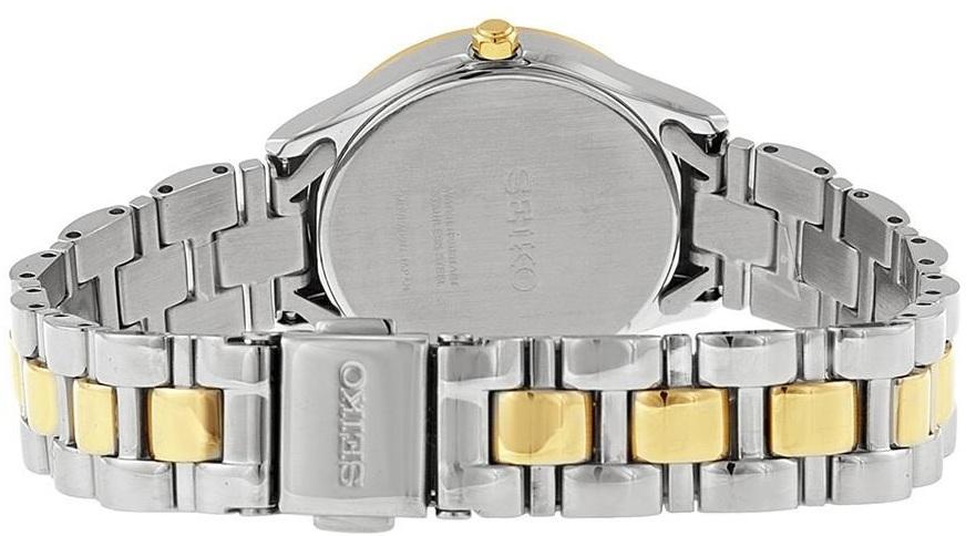 Thiết kế dây đồng hồ trẻ trung với 2 màu vàng - bạc, khóa bấm chắc chắn