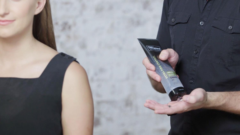 Tresemme Tres Gel là sản phẩm yêu thích hàng được của các chuyên gia tóc tại các salon lớn