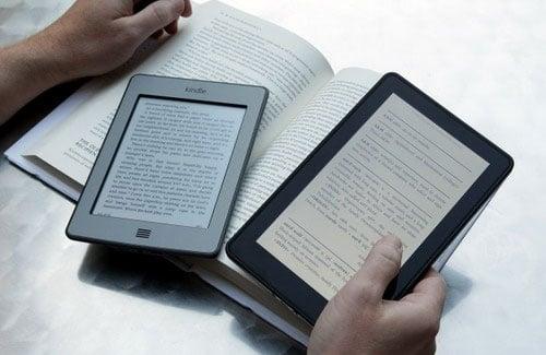 Máy đọc sách điện tử được thiết kế như một cuốn sách giấy nhỏ gọn