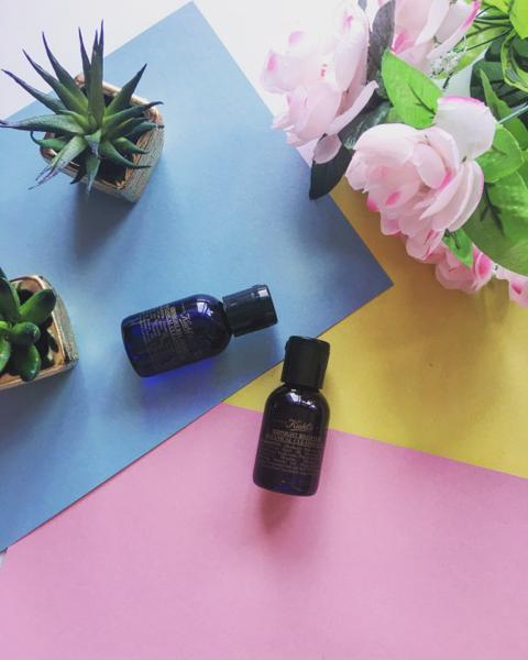 Không những giúp tẩy trang sạch hoàn toàn lớp trang điểm mà còn làm mềm da, chống lão hoá, chống oxy hoá và đẹp da