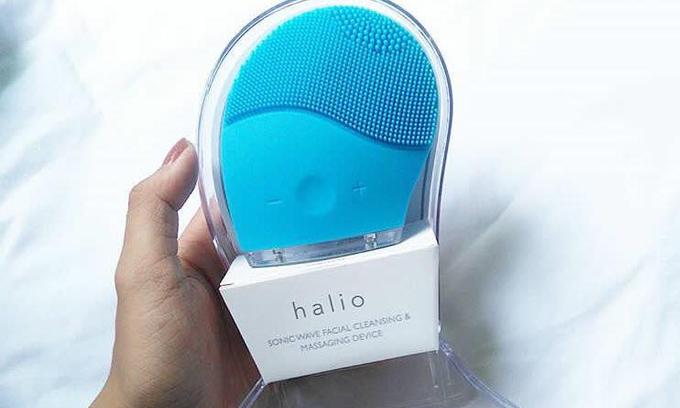 Máy rửa mặt Halio màu xanh