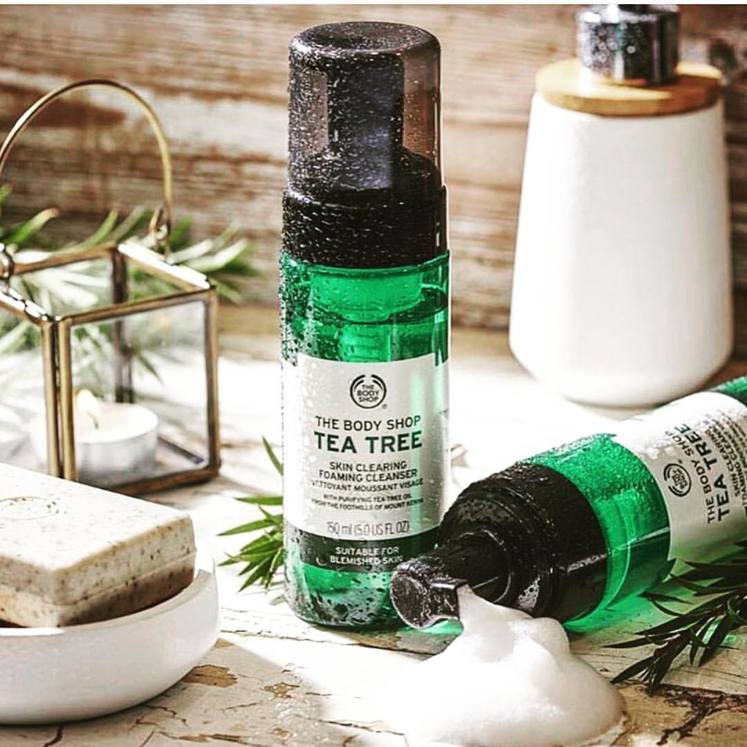 Sữa Rửa Mặt dạng bọt The Body Shop Tea Tree Skin Clearing Foaming Cleanser 2
