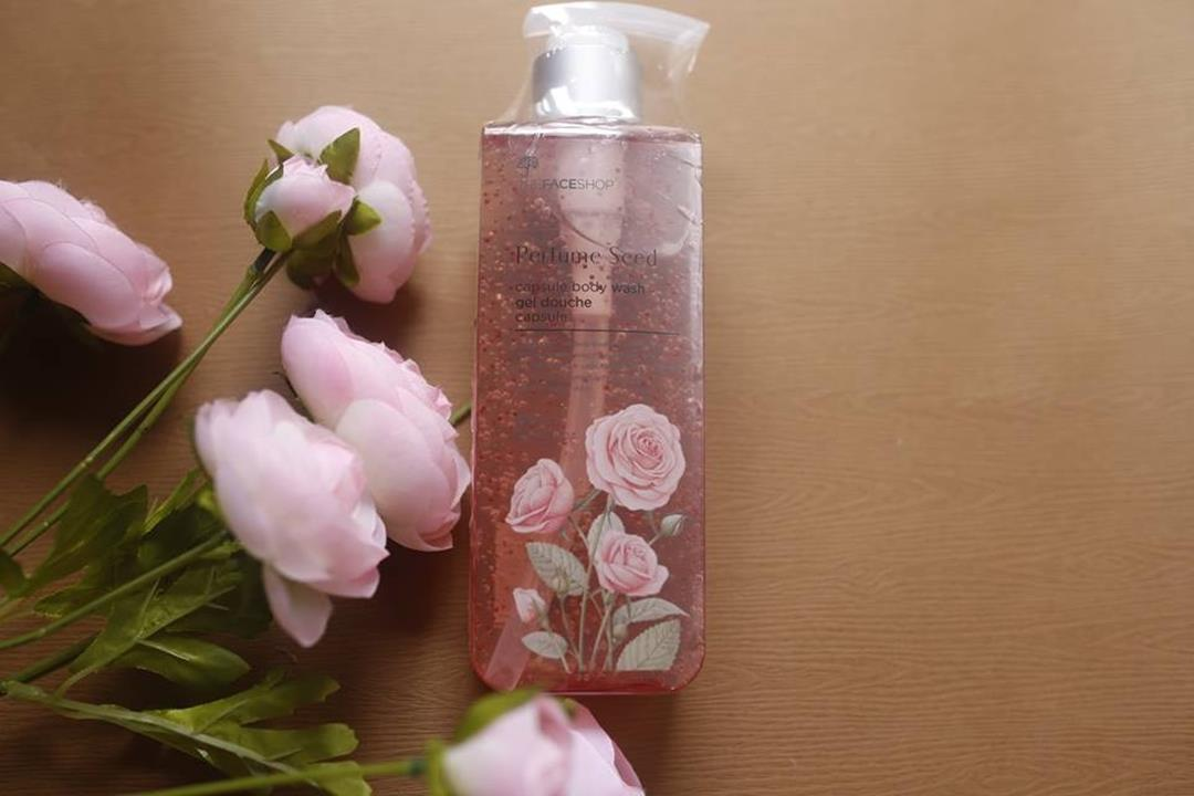 Sữa Tắm Hoa Hồng The Face Shop Perfume Seed Capsule Body Wash
