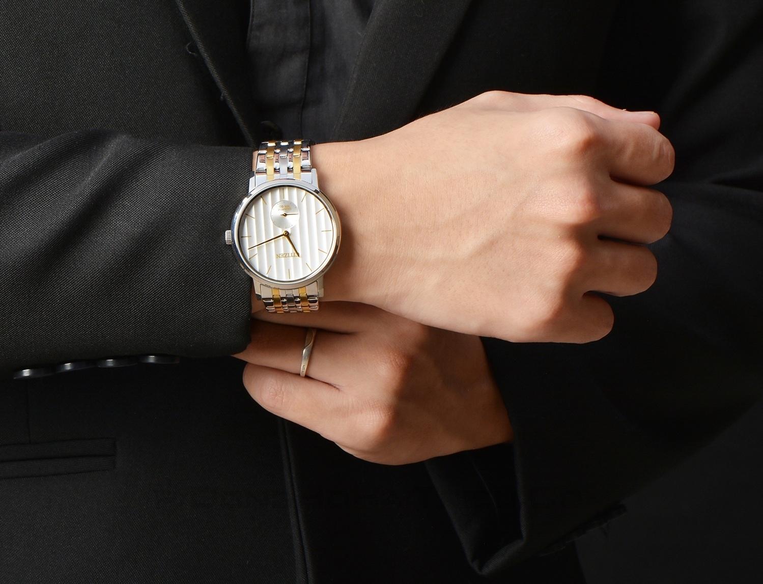 Sang trọng, lịch lãm là những lời khen người dùng dành cho chiếc đồng hồ Citizen nam BE9174-55A