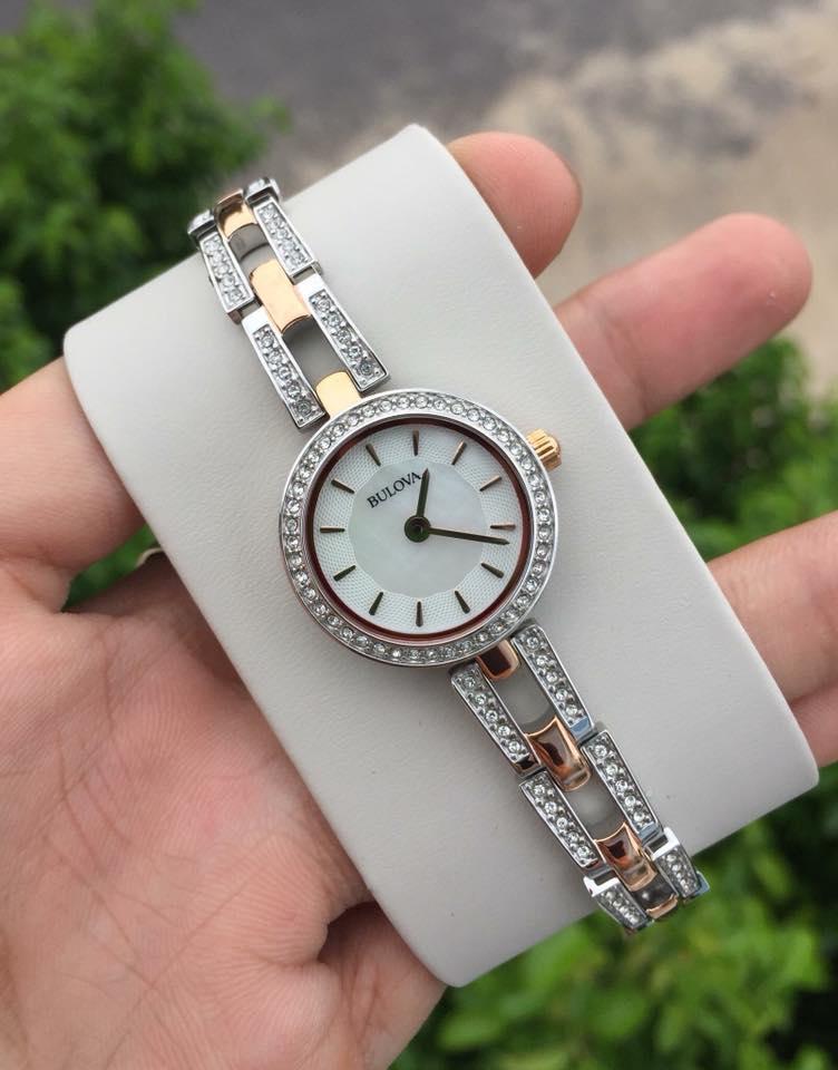 Cận cảnh chiếc đồng hồ Bulova 98L212