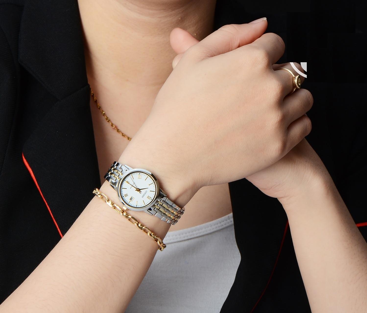 EW1584-59A trên tay thanh lịch, nữ tính và đầy sức hút
