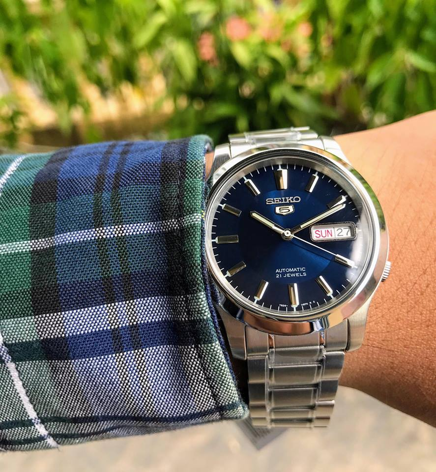 Chiếc đồng hồ Seiko nam SNK793 trên tay cực chất